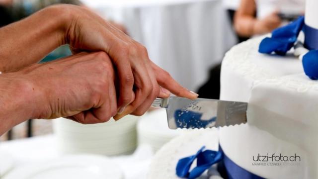 Hochzeitstorte - Wer hat die Hand oben