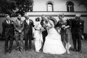 Familienfotoshooting nach der Hochzeit