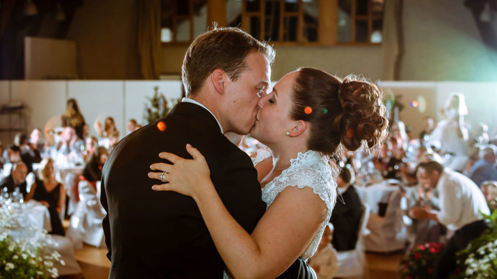 Hochzeitskuss Hochzeitsfoto