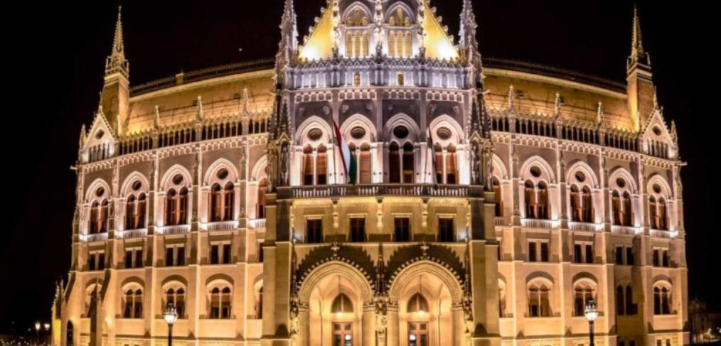 Burgpalast in Budapest bei Nacht