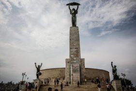 Freiheitsstatue auf Gellertberg in Budapest