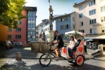 Hochzeits-Rikscha in Zürich