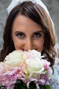 Braut nach Ziviltrauung